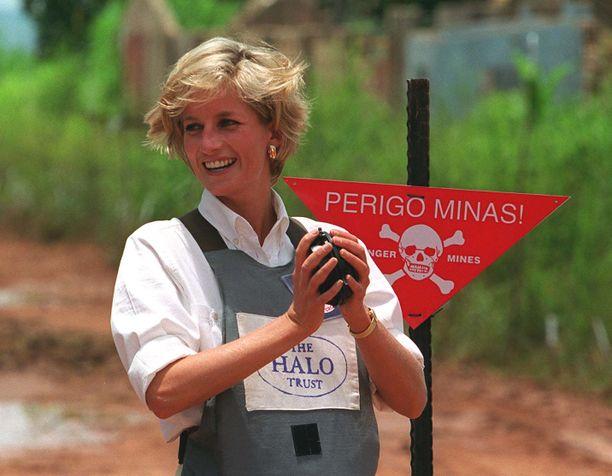 Prinsessa Diana teki runsaasti hyväntekeväisyystyötä.