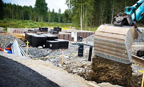 Liisa Hyssälä ehdotti, että kuntia voisi patistaa rakentamaan vuokra-asuntoja maksattamalla puolet asumistuista kunnilla.