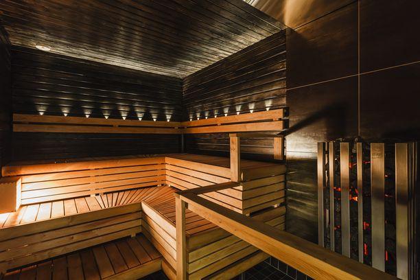 Viking Gracen saunassa on perinteistä tunnelmaa.