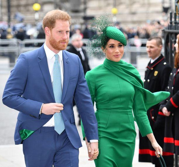 Viestissään prinssi Harry muisteli tapaamistaan Holly-tytön kanssa. Hän välitti myös surunvalittelut herttuatar Meghanin puolesta.