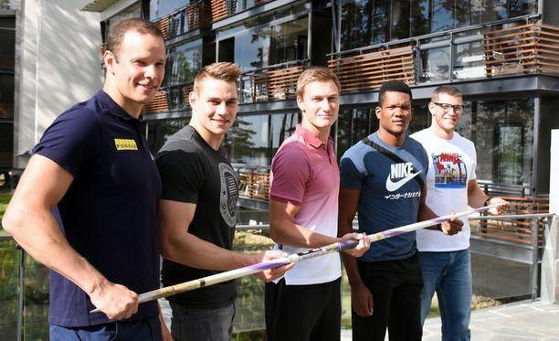 Tero Pitkämäki (vas.), Johannes Vetter, Thomas Röhler, Keshorn Walcott ja Andreas Hofmann kisaavat lauantaina Kuortaneella.