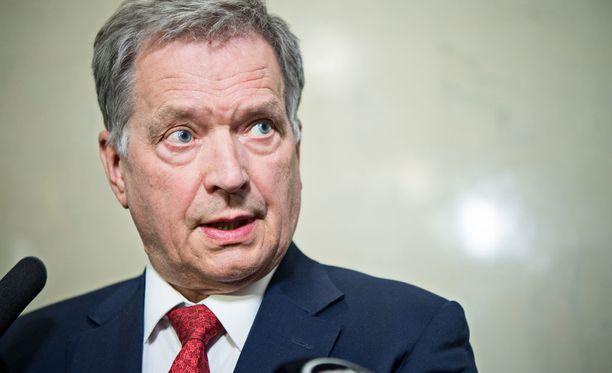 Niinistö ja Merkel keskustelivat muun muassa Yhdysvaltain ja Venäjän keskinäisistä suhteista.