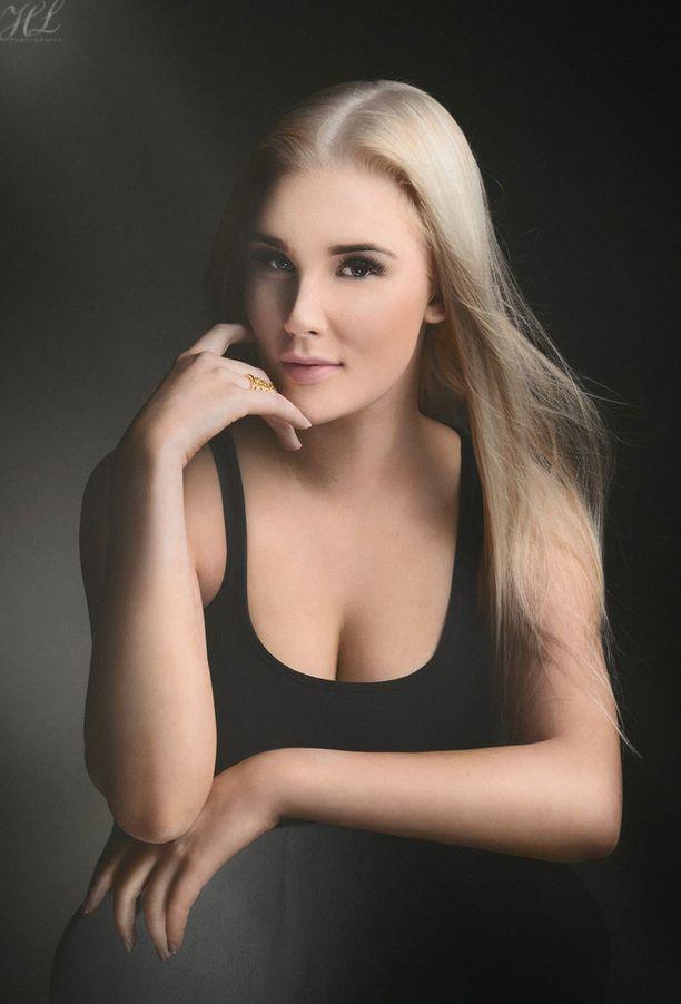 Erika Mäenpää, 19 vuotta, Kangasala.