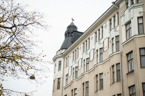 Onni Lindforsin 7,3 miljoonan omaisuuteen kuuluu kaksi asuntoa asunto-osakeyhtiö Saariniemessä sekä merkittävä määrä arvopapereita, joista suurin osa perinnöstä muodostuu.