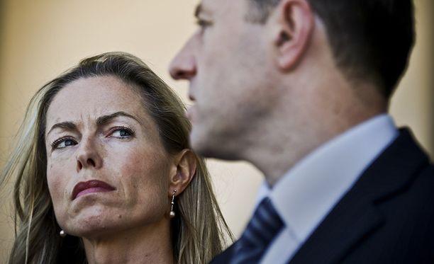 Vanhemmat Kate ja Gerry McCann eivät ole luopuneet toivosta, että heidän tyttärensä löytyy elossa.