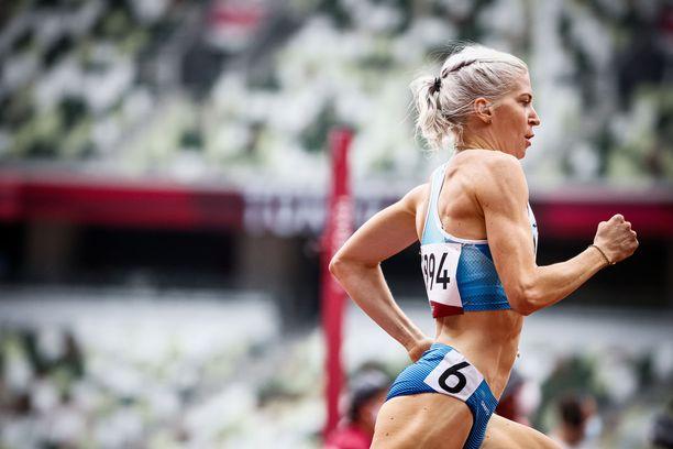 Sara Kuiviston kisojen neljäs SE-tulos ei tuonut jatkopaikkaa 1500 metrin välierissä.