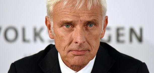 Toimitusjohtaja Matthias Müller sanoo saksalaislehti Frankfurter Allgemeine Zeitungin haastattelussa, että takaisinveto aloitetaan tammikuussa.