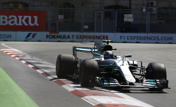 Valtteri Bottas taisteli Azerbaidzhanin GP:n aika-ajossa.