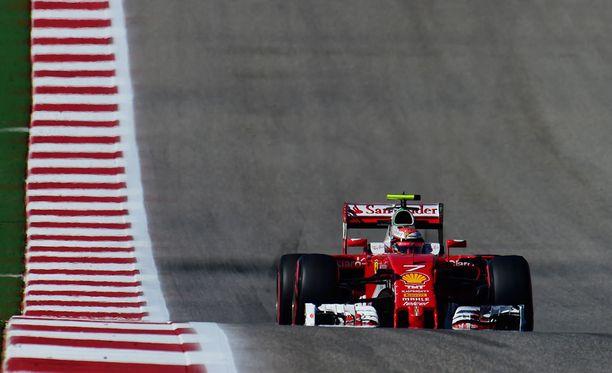 USA:n GP:ssä keskeyttämään joutunut Kimi Räikkönen saa tukea Italiasta.