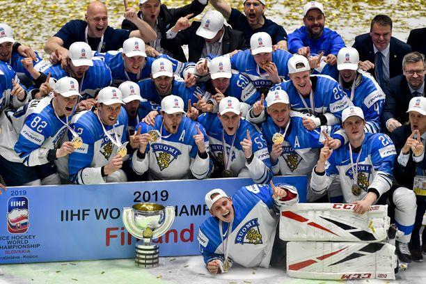 Suomi on jääkiekon hallitseva maailmanmestari ainakin ensi kevääseen asti.