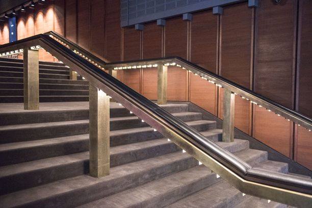 Peruskorjauksessa teatterin tilat tuli säilyttää alkuperäisissä ilmeissä ja materiaaleissa.