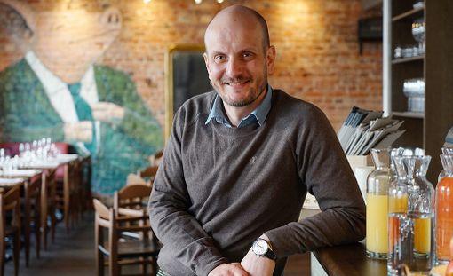 Hans Välimäellä on ollut useita ravintoloita. Hän johtaa Tampereelle avattua belgialaisravintolaa.