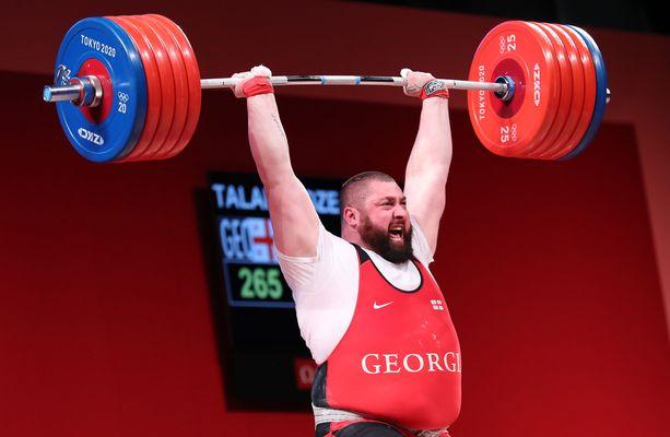 Lasha Talakhadze voitti olympiakultaa uudella maailmanennätyksellä.