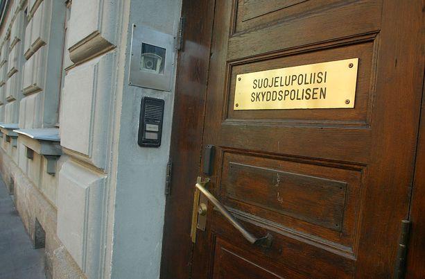 Suojelupoliisi tarkkailee Suomessa oleskelevia terroriepäiltyjä.