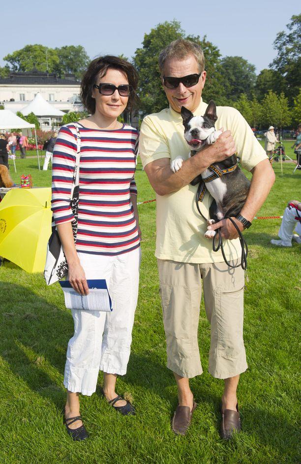 Lennu nuoruuskuvassa Kaivopuiston koiranäyttelyn katsojana elokuussa 2011.