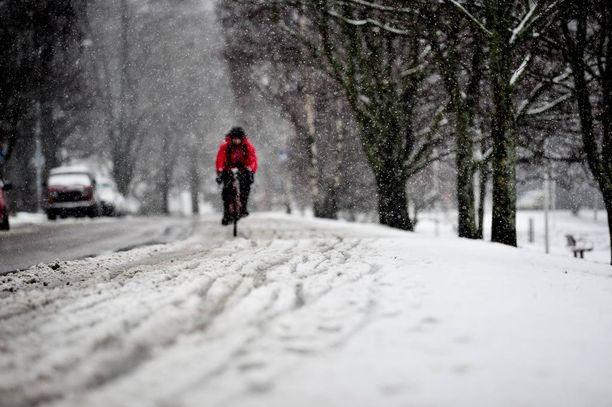 Lumi on huvennut esimerkiksi Turusta lähes täysin. Kuvituskuva.