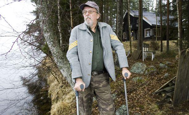MAISEMA Koti järvinäkymineen oli keikkamiehelle tärkein paikka maailmassa.