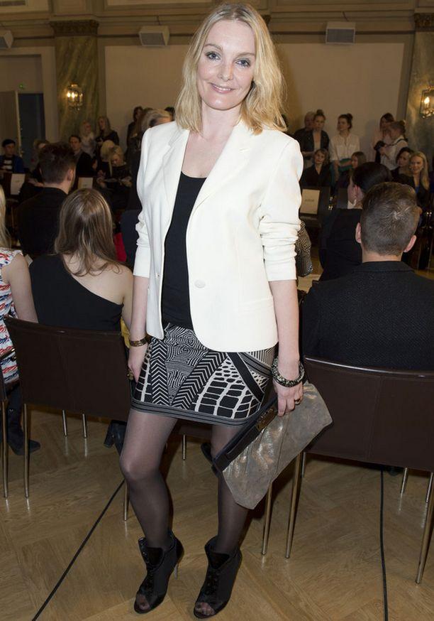 Klara Lagerroos vietti iltaa tyylikkäänä kuten hänen tapoihinsa kuuluu