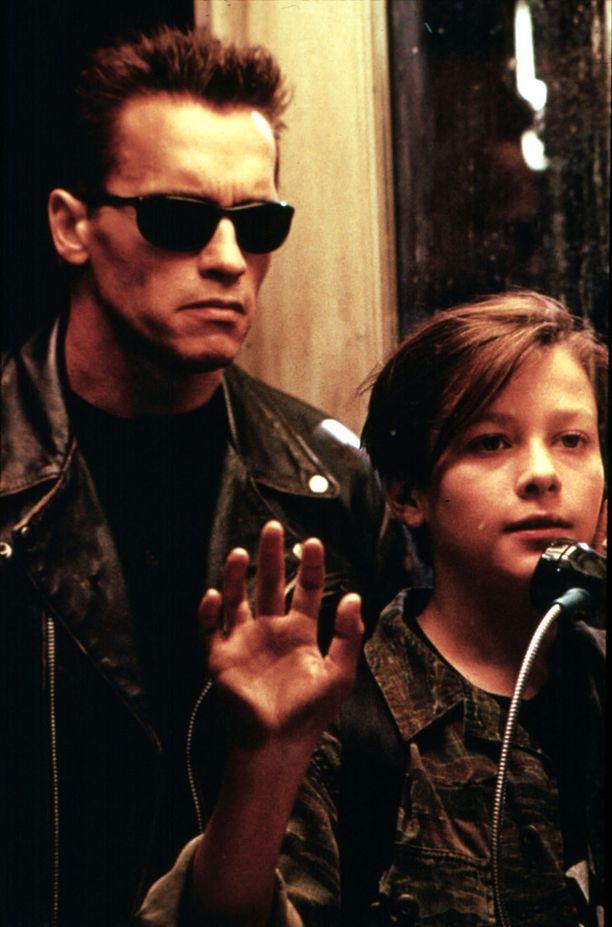 Edward Furlong näytteli Arnold Schwarzeneggerin rinnalla Terminator 2 -elokuvassa.