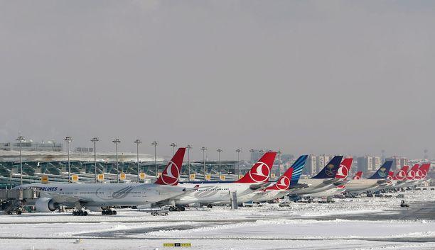 Viimeisen neljän päivän aikana Turkish Airlines on peruuttanut lähes tuhat lentoa.