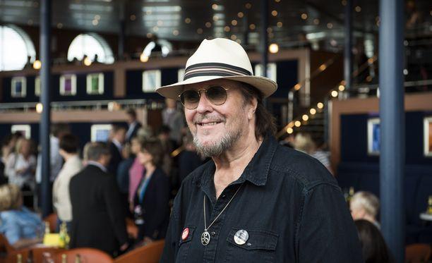 Hector aloitti uransa yli 50 vuotta sitten. Viime vuonna hän oli mukana Vain elämää -ohjelmassa.