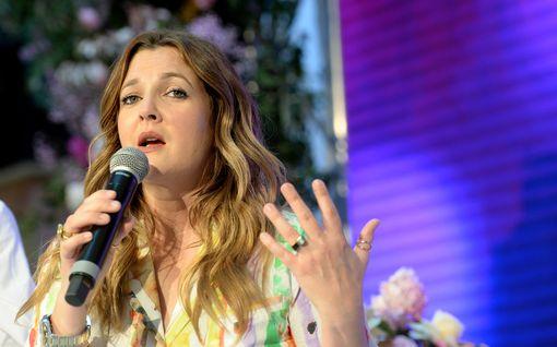 """Drew Barrymore avautuu avioerostaan – kärsi ratkaisusta lastensa takia: """"Viimeinen asia, jota halusin tyttärilleni"""""""