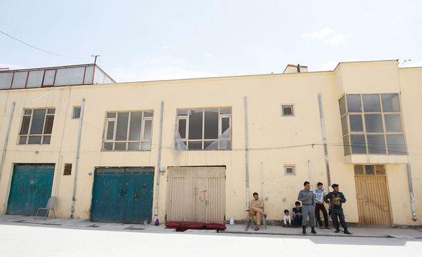 Hyökkäyksessä Kabulissa sijaitsevaan majataloon saksalainen avustustyöntekijä kuoli ja suomalaisnainen siepattiin.
