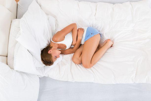 Sappikivien aiheuttama kipu pistää usein kaksinkerroin, mutta kipu voi olla myös lievempää ja epämääräistä.