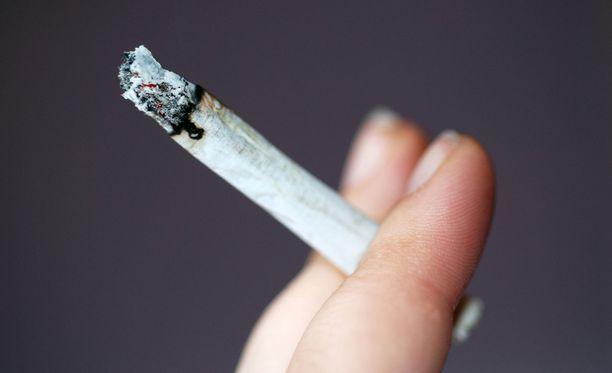 Nikotiini oli listauksessa viidentenä.