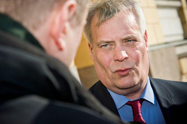 Antti Rinne haluaa kiristää verotusta 300 miljoonalla eurolla.