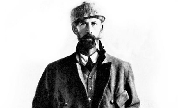 Percy Fawcett kärsi kohtuuttomasti peliongelmaisen ja viinaan menevän isänsä huonosta maineesta.