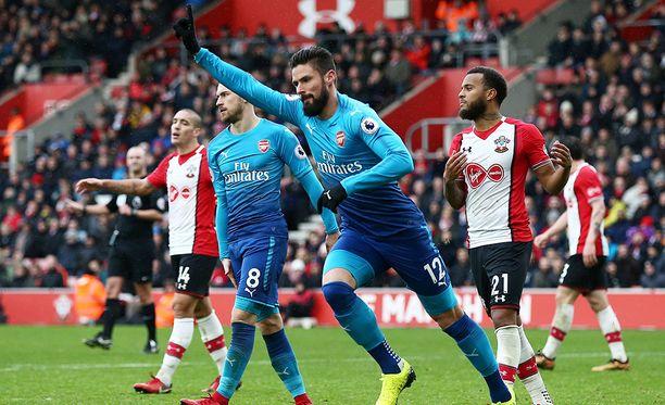 Olivier Giroud pelasti Arsenalin nöyryytykseltä.