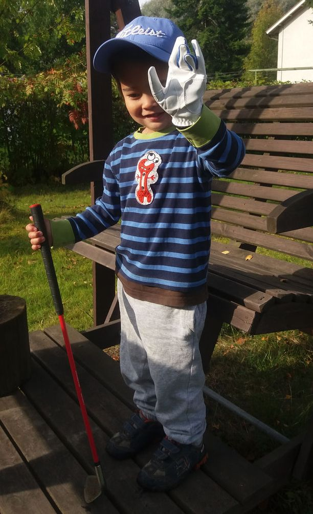 Jonny Koskinen, 5, näki Tiger Woodsin televisiossa 3-vuotiaana ja oli sen jälkeen täysin myyty golfille.