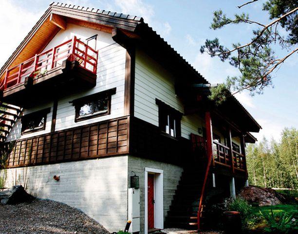 Monet vieraat etsivät majatalosta hiljaisuutta ja rauhaa. He voivat kylpeä, lukea kirjoja ja meditoida tatamilla.