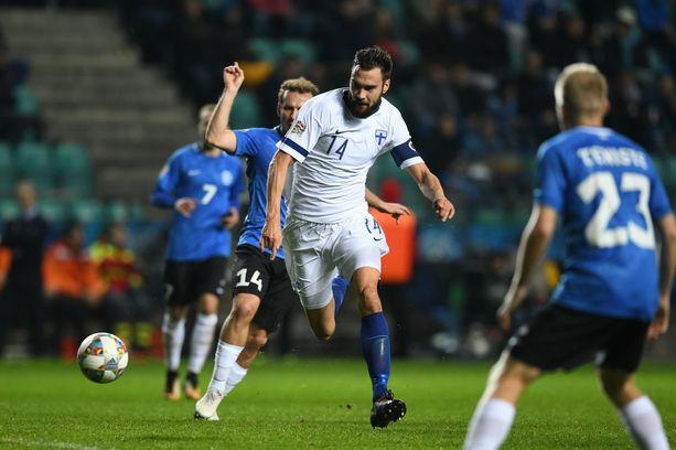 Tim Sparvin kipparoimalla Suomen maajoukkueella kulkee. Neljästä Kansojen liigan ottelusta on irronnut yhtä monta voittoa. Kuva viime perjantain Viro-ottelusta.