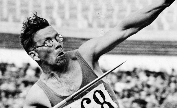 Matti Järvinen rikkoi maailmanennätyksen kymmenen kertaa 1930-luvulla.