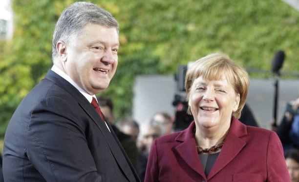 Ukrainan presidentti Petro Poroshenko ja Saksan pääministeri Angela Merkel.