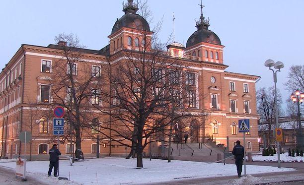 Mielenilmaus järjestettiin Oulun kaupungintalolla maanantaina. Kuva on vuodelta 2016.