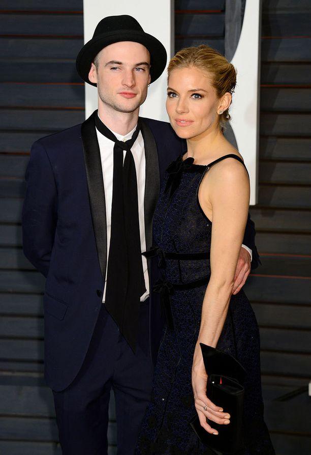 Tom Sturridge ja Sienna Miller ehtivät olla yhdessä neljä vuotta.
