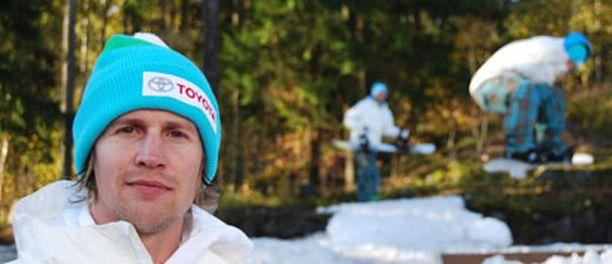 Pekka Koskela johdattaa Suomen lumilautailijat Vancouverin olympialaisiin.