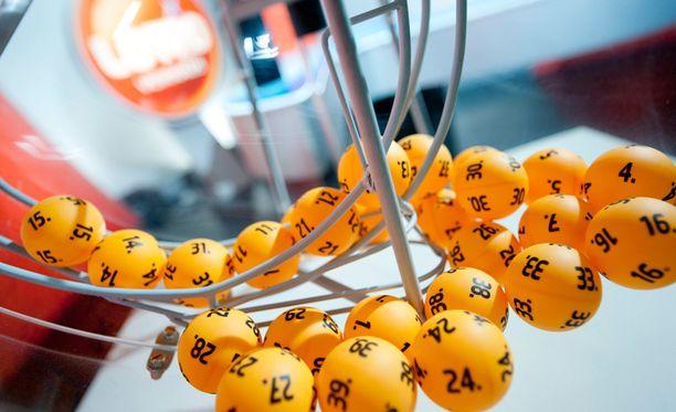 Iltalehti selvitti, missä yllättävissä paikoissa vuoden 2014 lottovoittajat kuponkejaan säilyttivät.