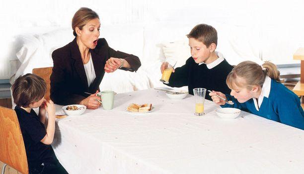 Jos päivä alkaa näin, ei terveelliselle syömiselle välttämättä jää aikaa.