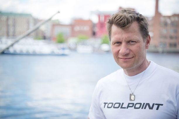 Iltalehden asiantuntija Toni Roponen on liikunnan opettaja.