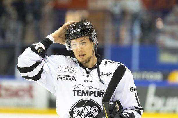 Petteri Wirtanen, 32, tuo Djurgårdeniin kokemusta. Wirtanen on pelannut uransa aikana muun muassa AHL:ssä, NHL:ssä, KHL:ssä ja Sveitsin liigassa.