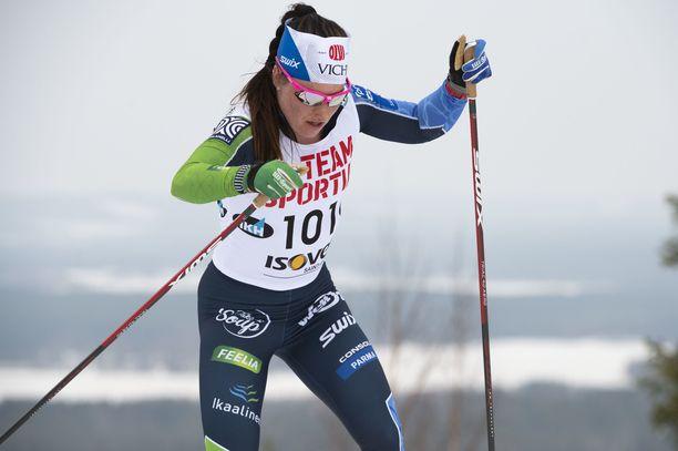 Krista Pärmäkoski oli täysin omaa luokkaansa Suomen cupin 15 kilometrin vapaan kilpailussa Rukalla.