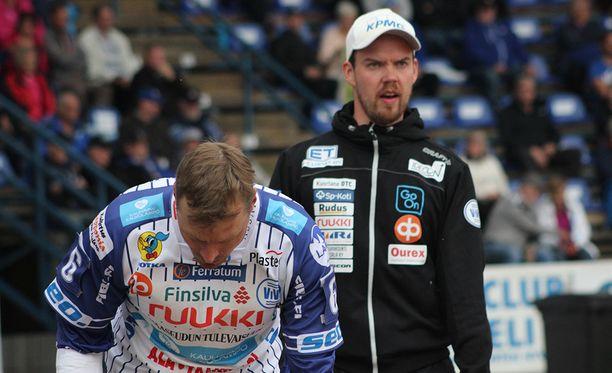 Vedon pelinjohtajalla Sami-Petteri Kivimäellä riittää mietittävää kokoonpanon suhteen.