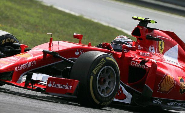 Kimi Räikkösen erinomainen työ valui hukkaan Hungaroringillä.