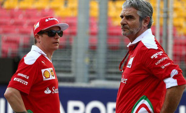 Italialaismedia povaa Kimi Räikköselle ja Maurizio Arrivabenelle vaikeaa kautta.