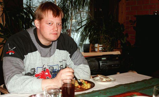Seppo Räty lupasi 20 000 markkaa jokaiselle suomalaiselle, joka voittaa hänet Soinin kilpailussa vuonna 1998.