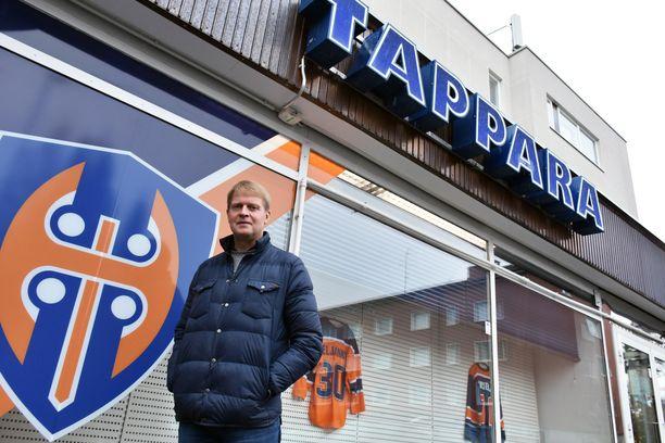 Jukka Rautakorpi työskentelee Tapparan urheilutoimenjohtajana. – Olen yrittänyt saada joukkuetta lähemmäs toimistoa, meillä on hieno myyntimiesverkosto, Rautakorpi sanoo.